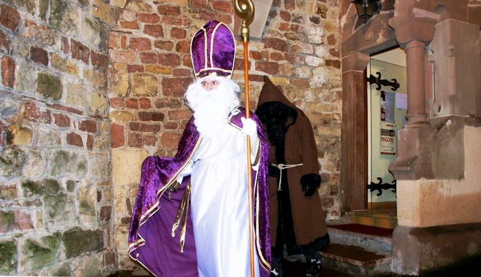 Saint-Nicolas et le père fouettard à éguisheim