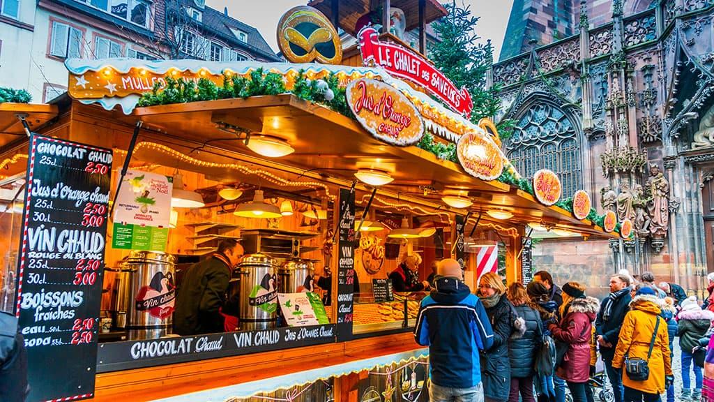 Chalet en bois marché Noël de strasbourg