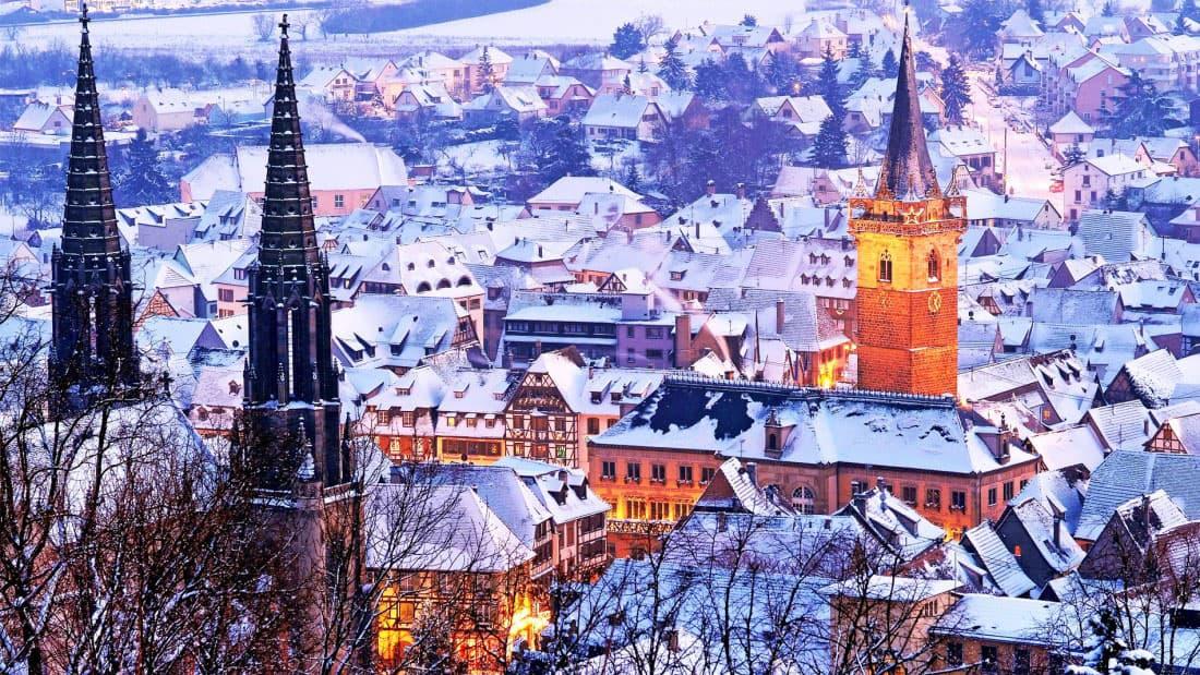 Obernai sous la neige avant Noël