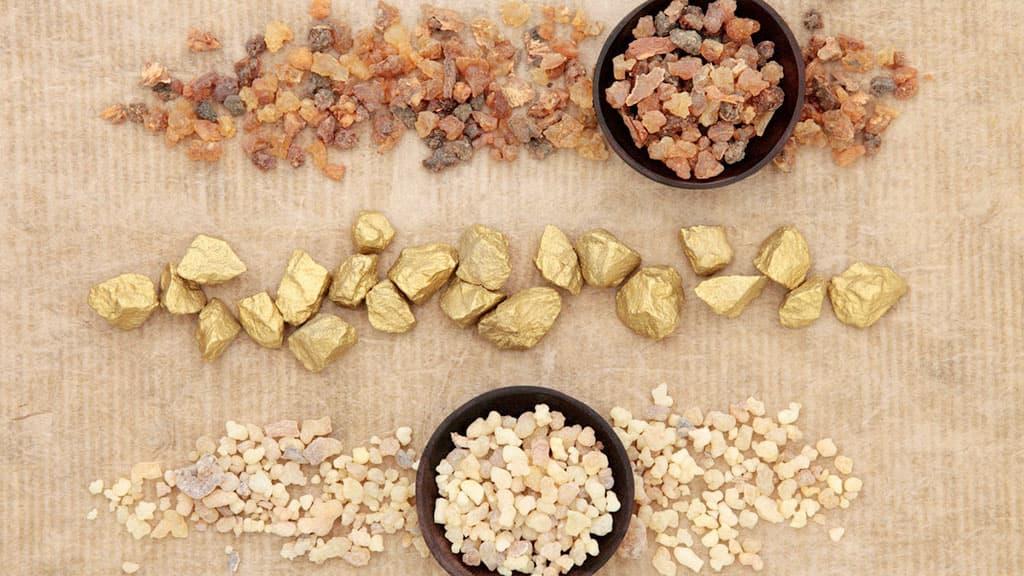 Les trois cadeaux offerts à Jésus - or encens myrrhe