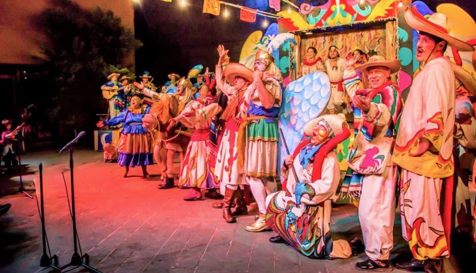 Pastorela traditionnelle jeu de Noël au Mexique